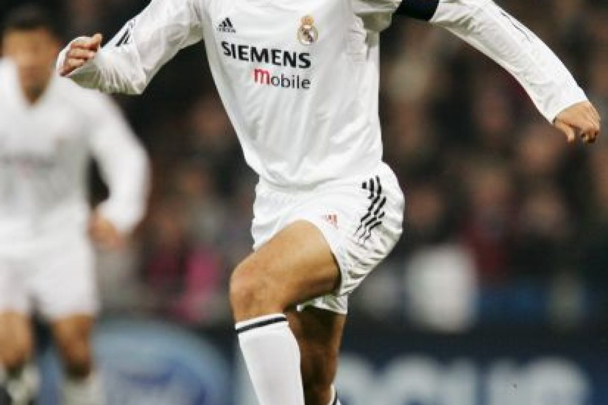 DELANTEROS: Raúl Foto:Getty Images. Imagen Por: