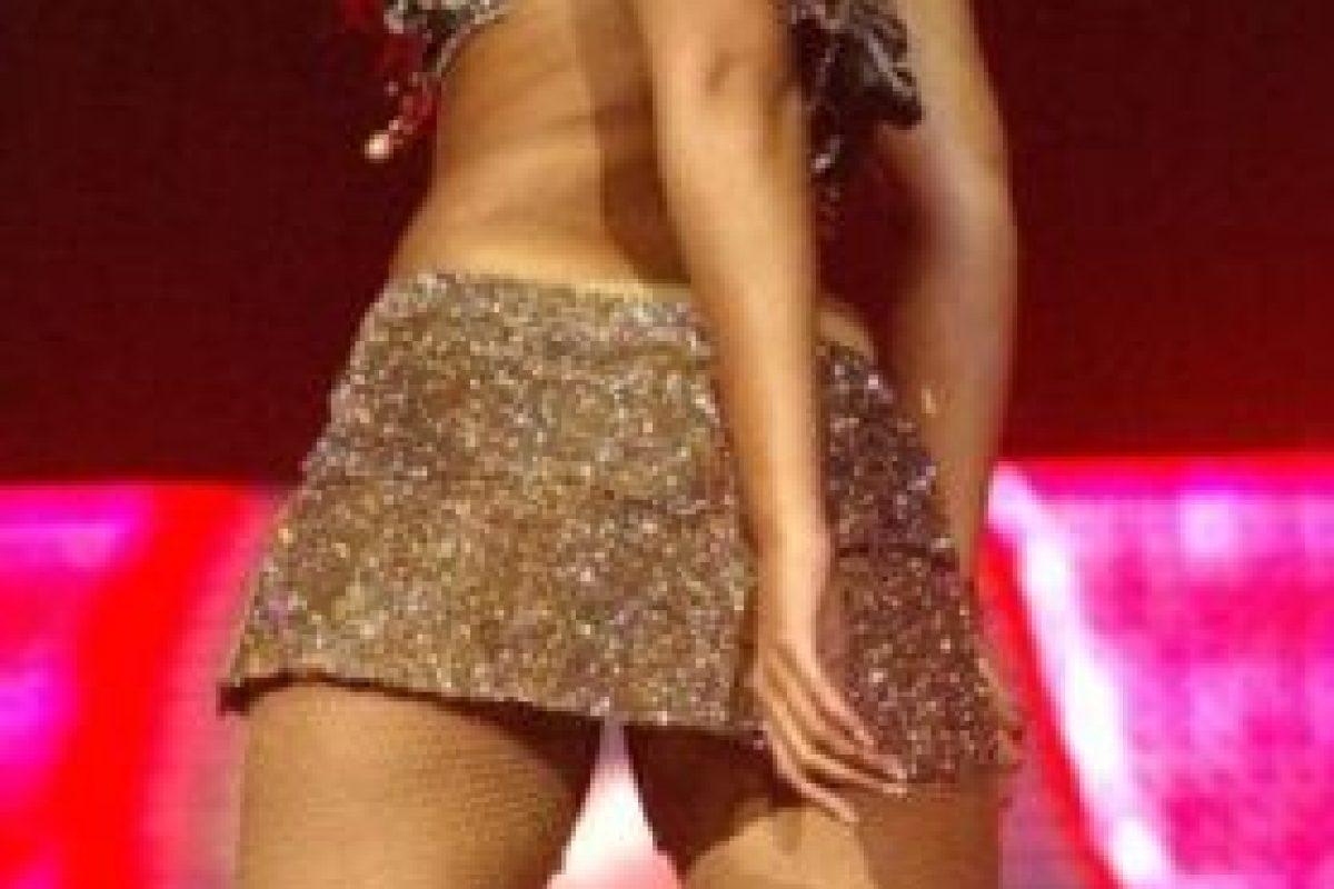 En 2004, Beyoncé lució casi el mismo atuendo. Foto:Getty Images. Imagen Por: