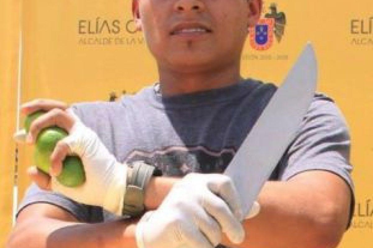El ninja de los limones Foto:Vía Facebook.com/juliocesar.tavarasiancas. Imagen Por: