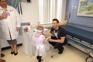 Pero el Hospital hizo eso por ella. Foto:vía Amazing Abby/Facebook. Imagen Por: