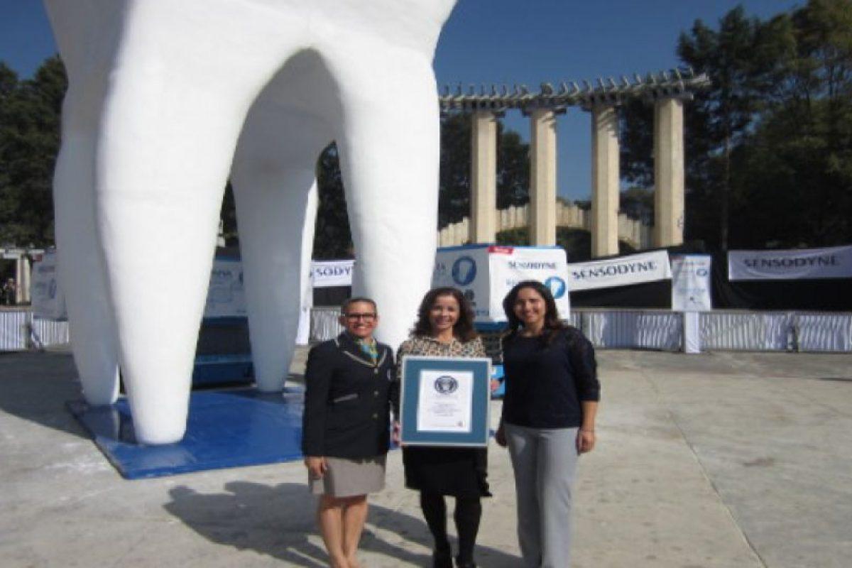 La muela más grande del mundo. Foto:Vía guinnessworldrecords.es. Imagen Por: