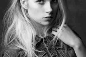 También lo hizo para Calvin Klein, en un shooting parecido al de su hermana. Foto:vía Calvin Klein. Imagen Por: