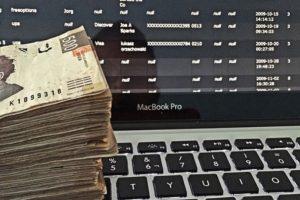 Mostrando todo el dinero por los que muchos se matan hasta cinco años. Foto:Instagram/RKOMC. Imagen Por: