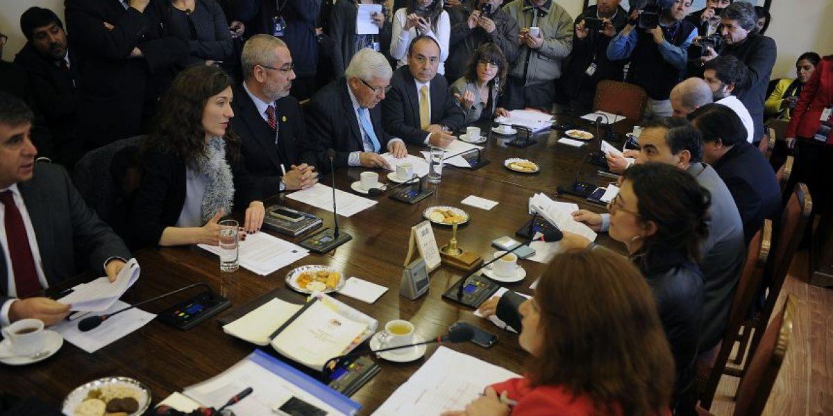 Comisión rechaza legislar proyecto de Carrera Docente