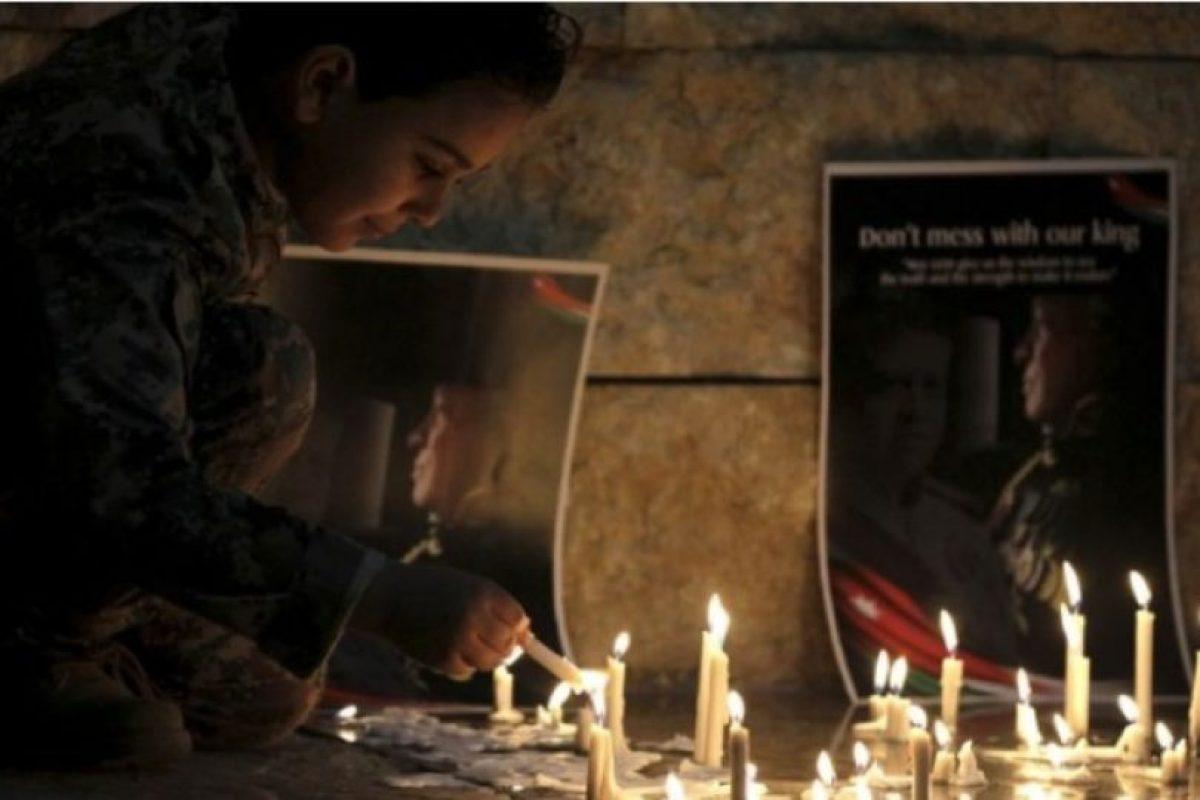Las imágenes de la muerte de iloto jordano Mu'ath al-Kaseasbeh le dieron la vuelta al mundo Foto:Getty Images. Imagen Por: