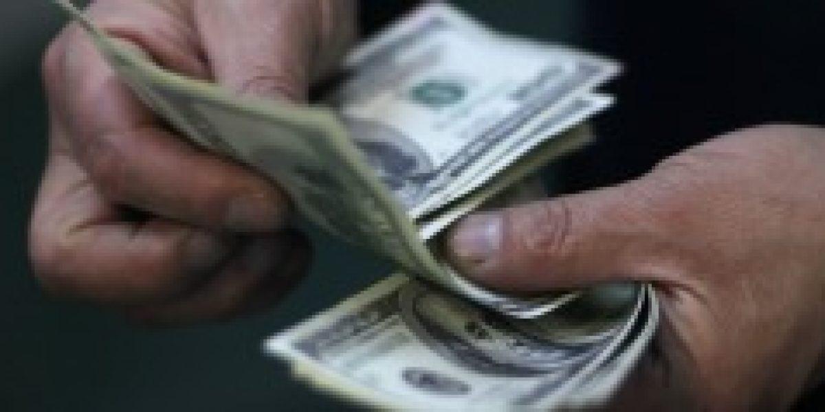 Dólar anota alza que lo lleva a mejor precio desde 2008