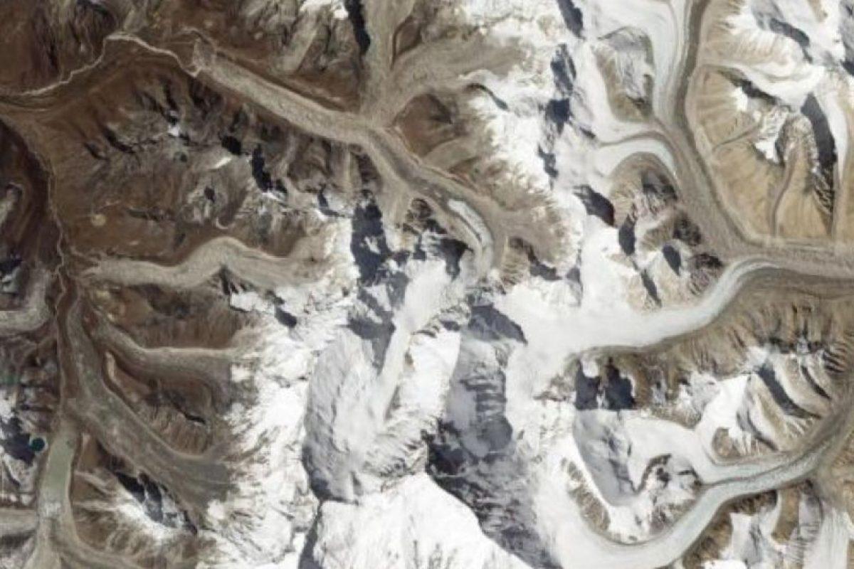 Los picos del Monte Everest, desde el EO-1 Foto:Vía nasa.gov. Imagen Por: