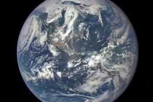20 de julio: La primera imagen totalmente iluminada de la Tierra Foto:Instagram.com/NASA. Imagen Por: