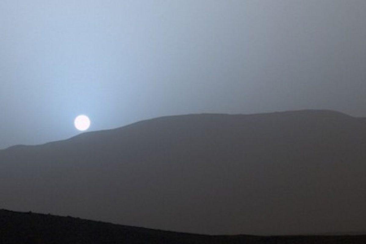 Un atardecer azul en Marte, tomada por el robot Curiosity en abril de 2015 Foto:Instagram.com/NASA. Imagen Por: