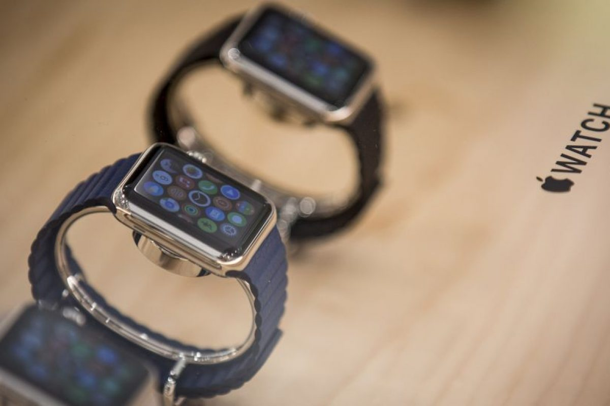 """Re/Code: """"El Apple Watch se afana por la 'alta moda', pero sigue pareciendo como un reloj semitecnológico"""". Foto:Getty Images. Imagen Por:"""