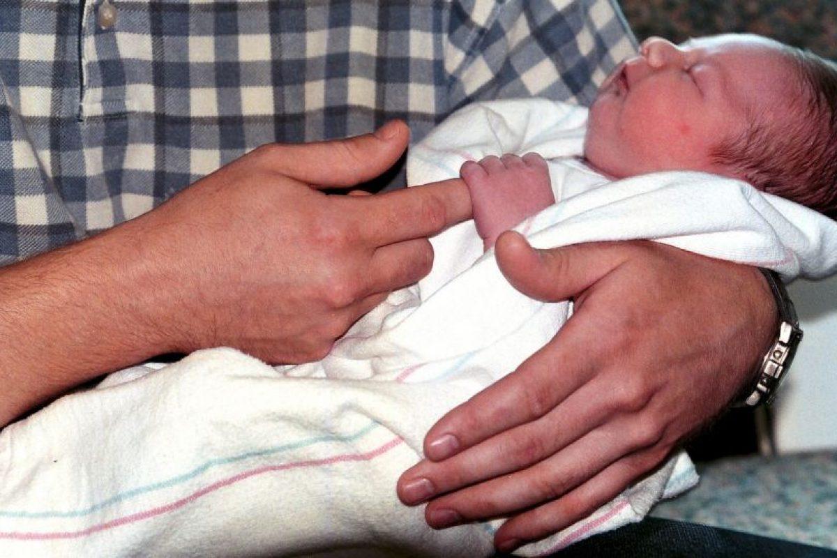 Después de esperar una hora en el hospital, fue al baño y entonces su bebé nació. Foto:Getty Images. Imagen Por: