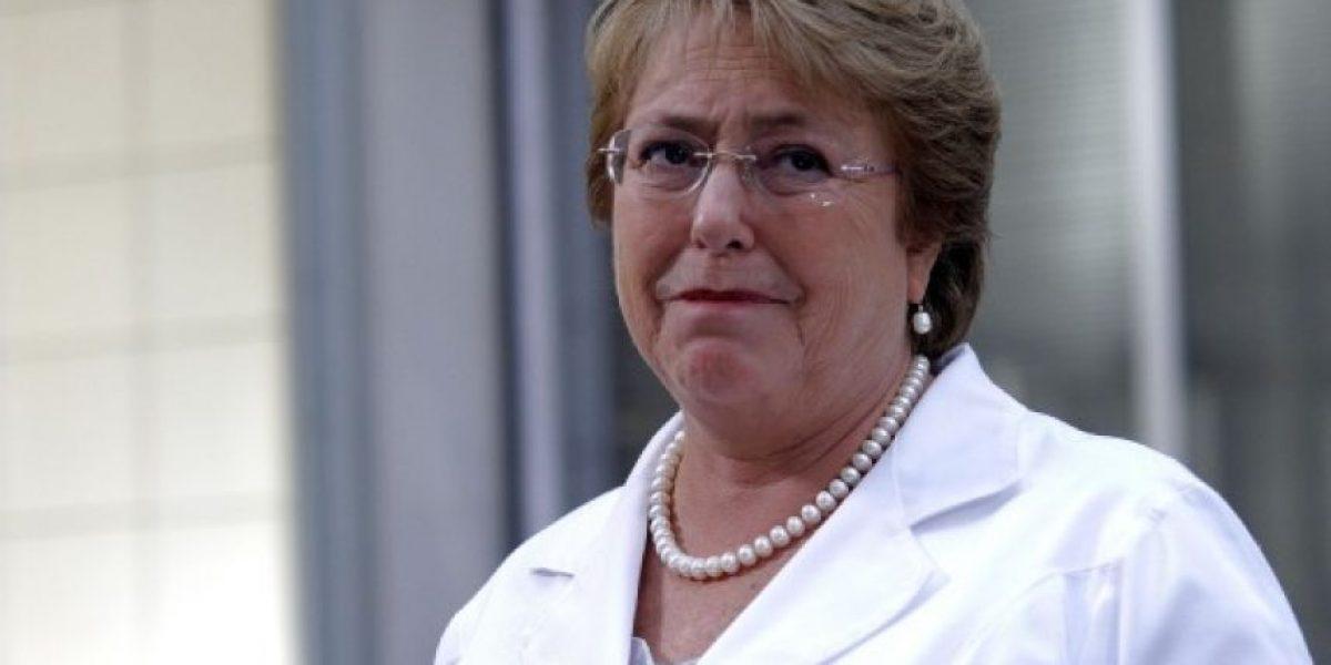 Víctima de Caso Quemados revela que Bachelet le salvó la vida