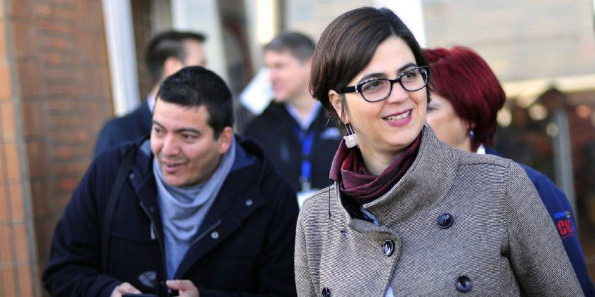 Ministra del Sernam recibió proyecto contra acoso callejero