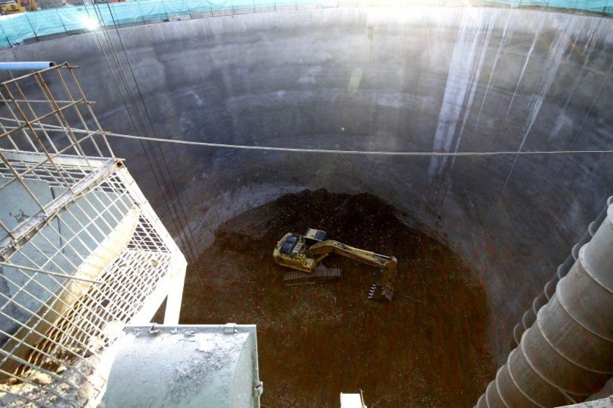 La Presidenta de la República, Michelle Bachelet, participó el 18 de junio en la apertura del túnel entre la futura estación Lo Valledor y el Pique Avenida Dos de la línea 6 del Metro. Foto:Agencia UNO. Imagen Por: