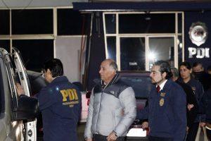 Salida de ex uniformados detenidos Foto:Agencia Uno. Imagen Por: