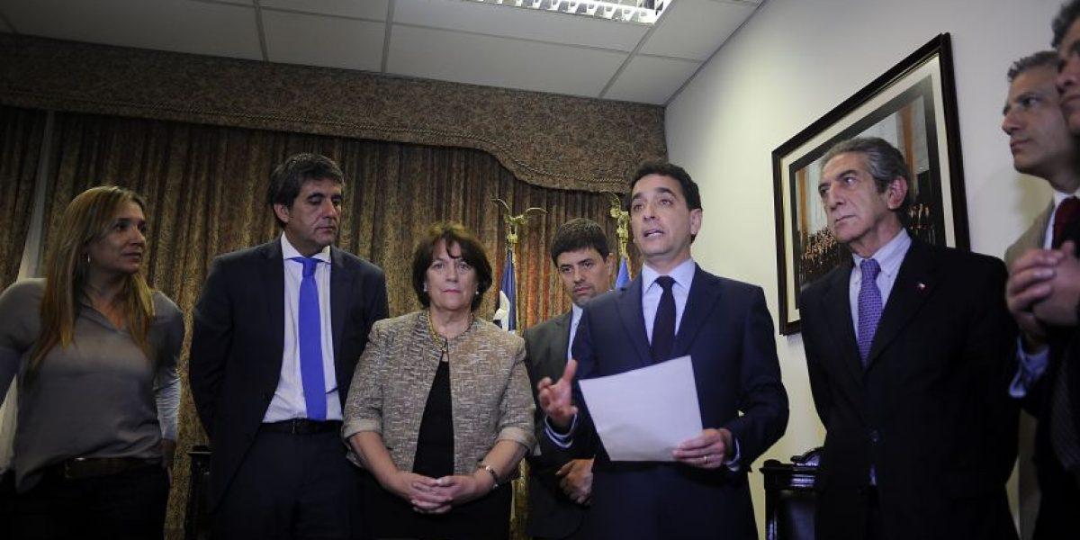 Firman acuerdo para votar Carrera Docente en la Cámara