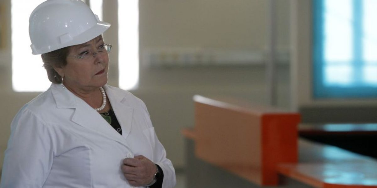 Bachelet llama a parlamentarios a aprobar la Carrera Docente