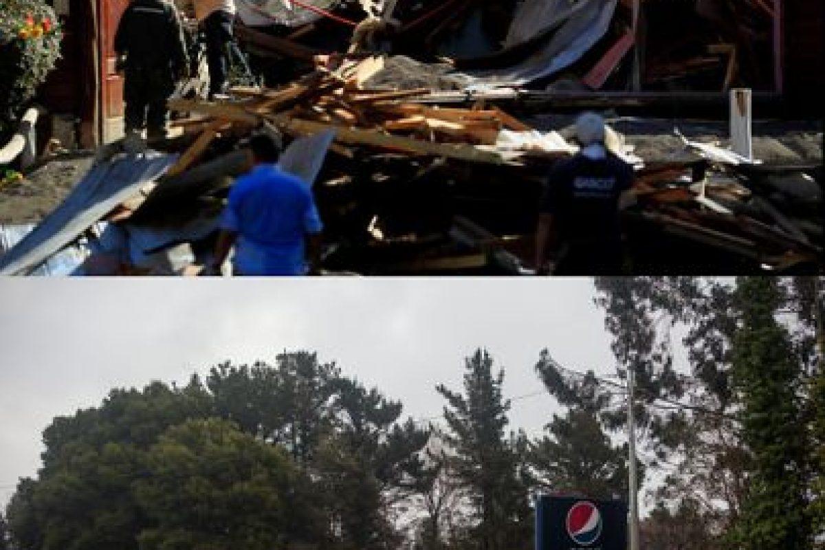Primera imagen del 28 de abril de 2015 en Ensenada luego de la erupción del volcán Calbuco y que cubrió el lugar de material piroclástico y segunda imagen del 21 de julio de 2015 de como se encuentra en la actualidad el lugar Foto:NICOLAS KLEIN Y DAVID CORTES SEREY/AGENCIAUNO. Imagen Por: