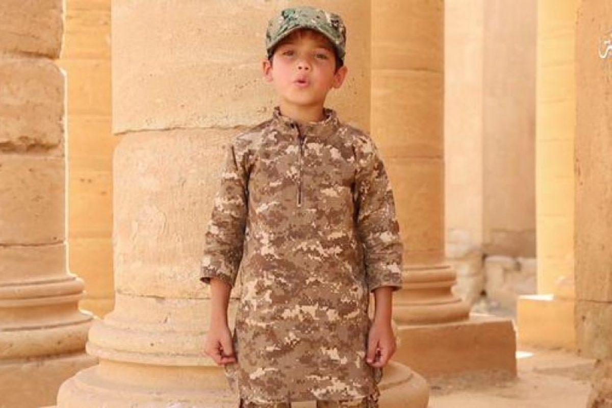 Difundió un nuevo video de entrenamiento a niños Foto:Twitter.com/raqqa_mcr. Imagen Por: