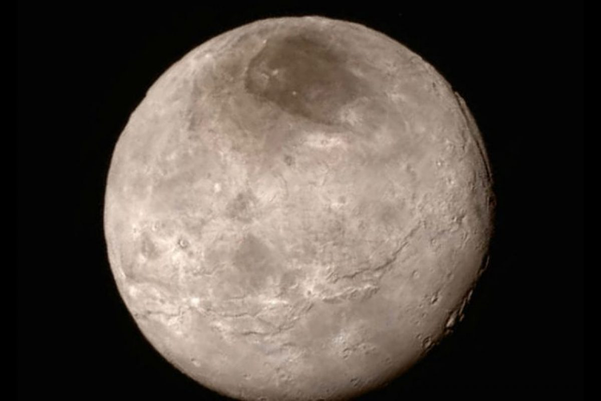 Dicha misión ha arrojado nuevos datos sobre el planeta, como por ejemplo, que es 80 kilómetros (50 millas) más ancho y que tiene dos mil 370 kilómetros (mil 473 millas) más de diámetro que lo que se estimaba. Foto:AP. Imagen Por: