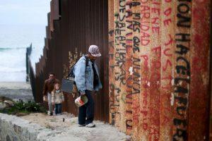La frontera entre ambos países mide tres mil 122 kilómetros (mil 951 millas) Foto:Getty Images. Imagen Por: