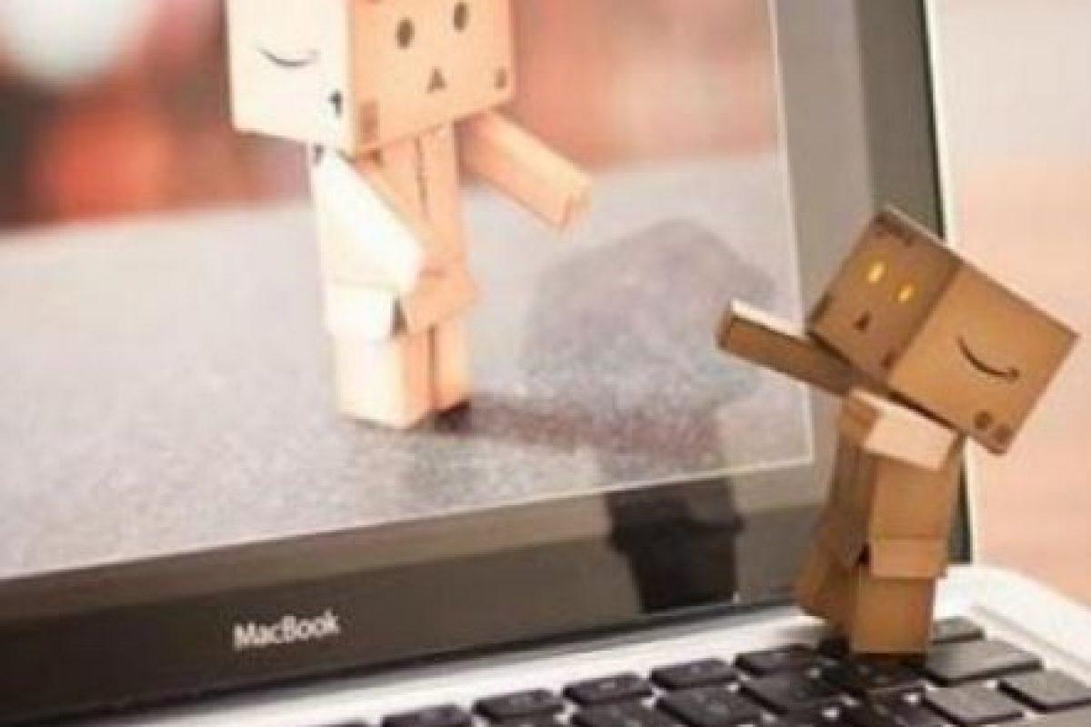 Si uno quiere parar a observar alguna cosa, es mejor hacerlo juntos, o se pierde el sentido de compañía. Foto:Tumblr. Imagen Por: