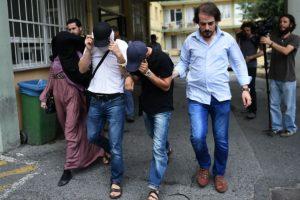 Halis Bayancuk fue detenido durante una redada en Estambul. Foto:AFP. Imagen Por: