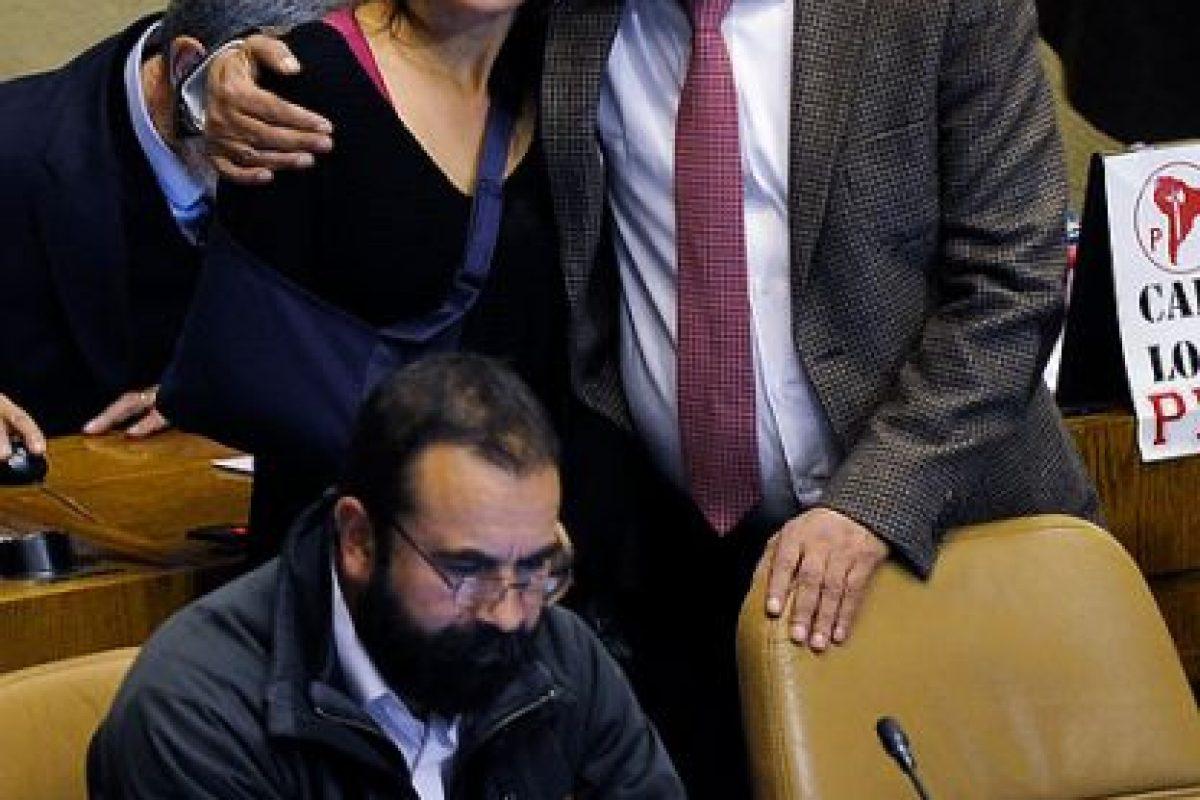 Respuesta: A) Porque diputados de la Nueva Mayoría se abstuvieron de votar para legislar el proyecto de Carrera Docente Foto:Agencia Uno. Imagen Por: