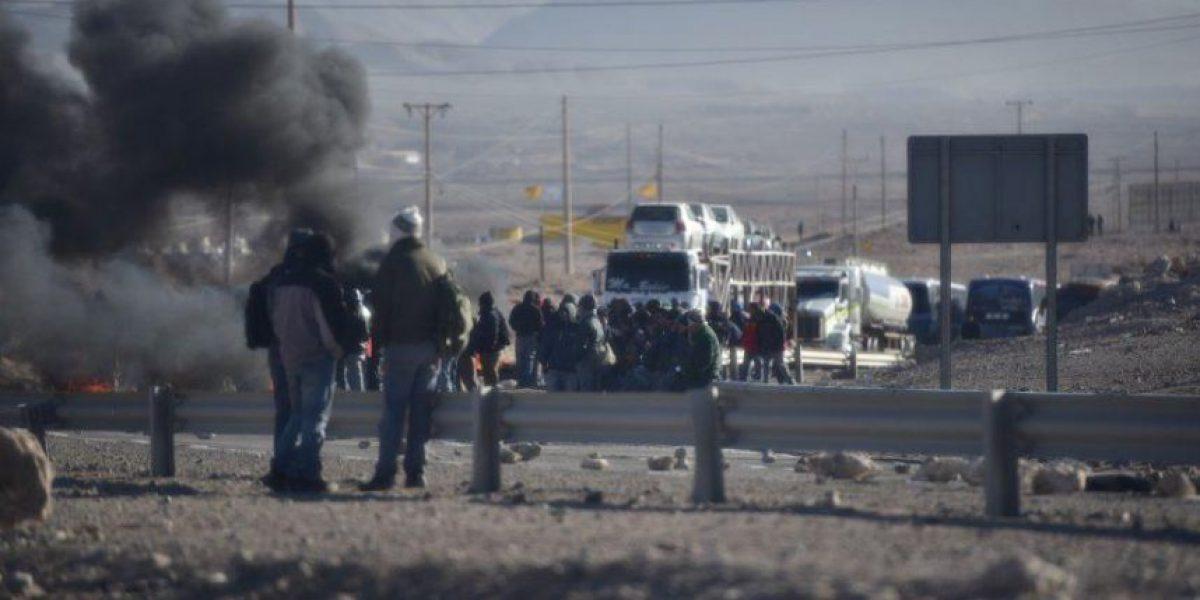 Un fallecido dejó enfrentamiento entre trabajadores y Carabineros en El Salvador