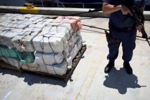 Aproximadamente llevaba un total de 8 toneladas de cocaína. Foto:Getty Images. Imagen Por:
