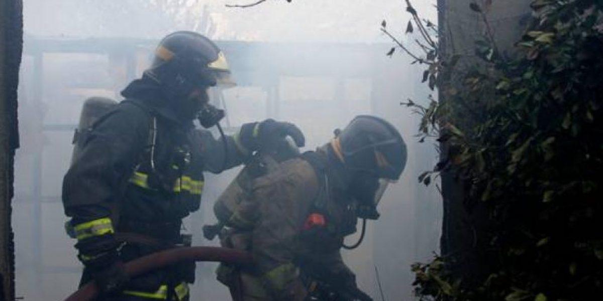 Madre e hijo mueren en violento incendio en Temuco