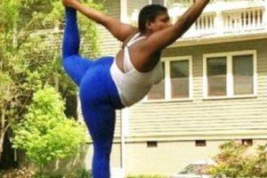 Jessamyn Stanley es una maestra de yoga estadounidense que ha llamado la atención en redes sociales. Foto:Vía Instagram.com/mynameisjessamyn. Imagen Por: