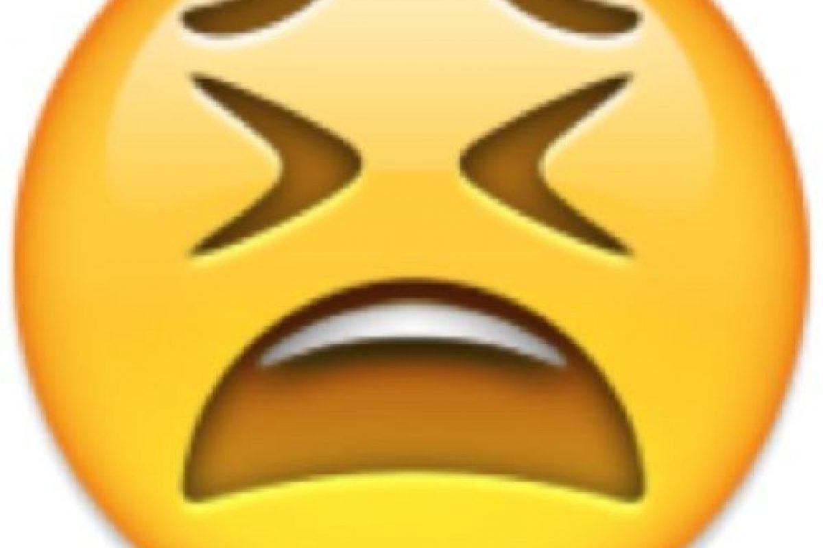 Desesperación o soyozo: Su verdadero significado es el de una cara cansada. Foto:Emojipedia. Imagen Por: