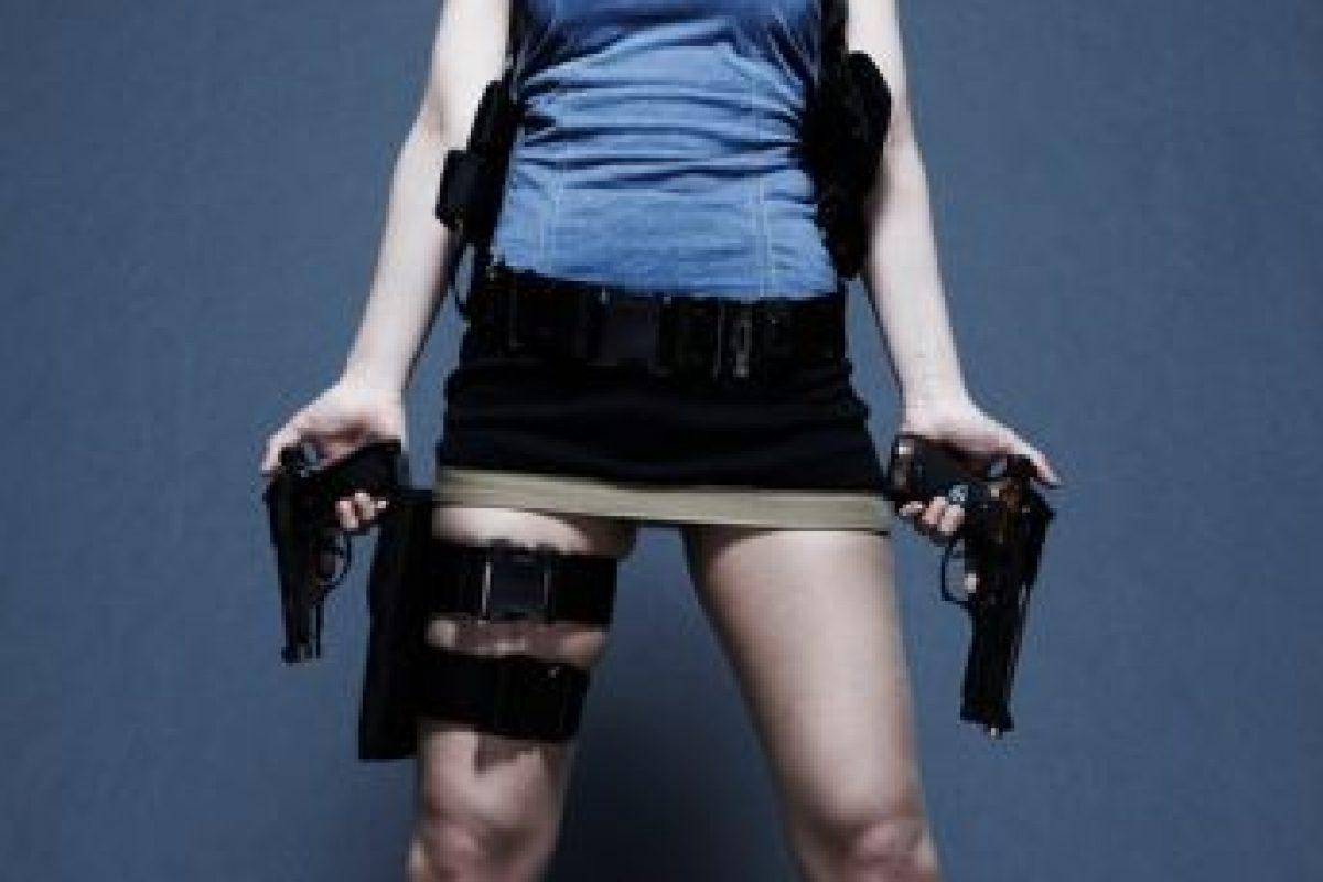 Además de bella, es diestra en el manejo de varias armas, así como una experta en el arte de abrir cerraduras y en la desactivación de explosivos Foto:Wikia. Imagen Por: