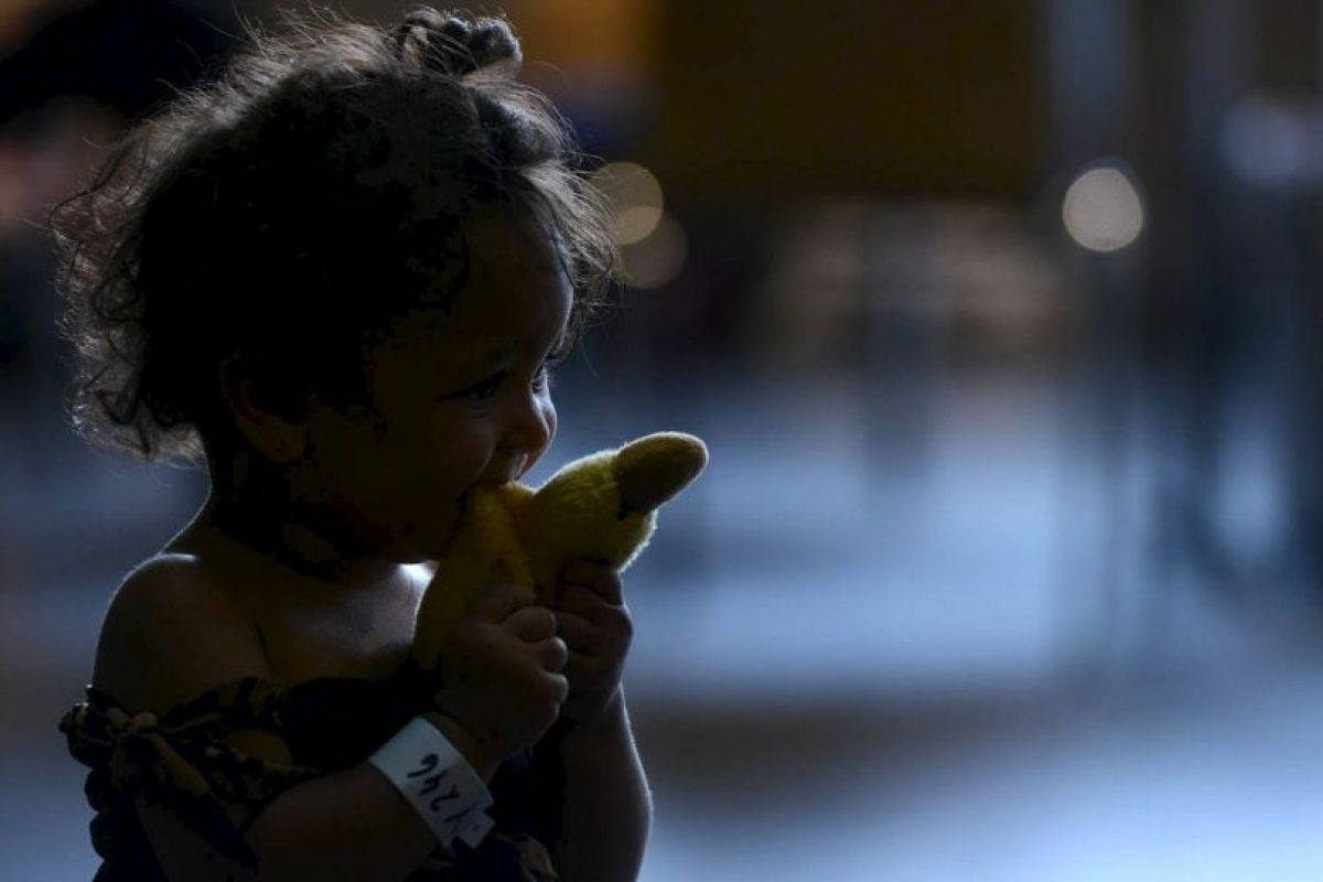 Pequeña inmigrante refugiada juega en Alemania. Foto:AFP. Imagen Por: