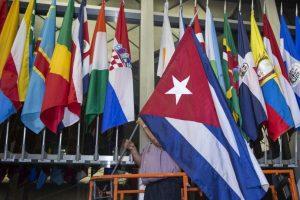 La bandera de Cuba es colocada en el Departamento de Estado de Estados Unidos. Foto:AFP. Imagen Por: