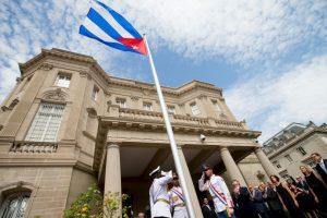 Cuba abre su embajada en Washington, hecho que constituyó del restablecimiento oficial de las relaciones diplomáticas entre ambos países. Foto:AFP. Imagen Por:
