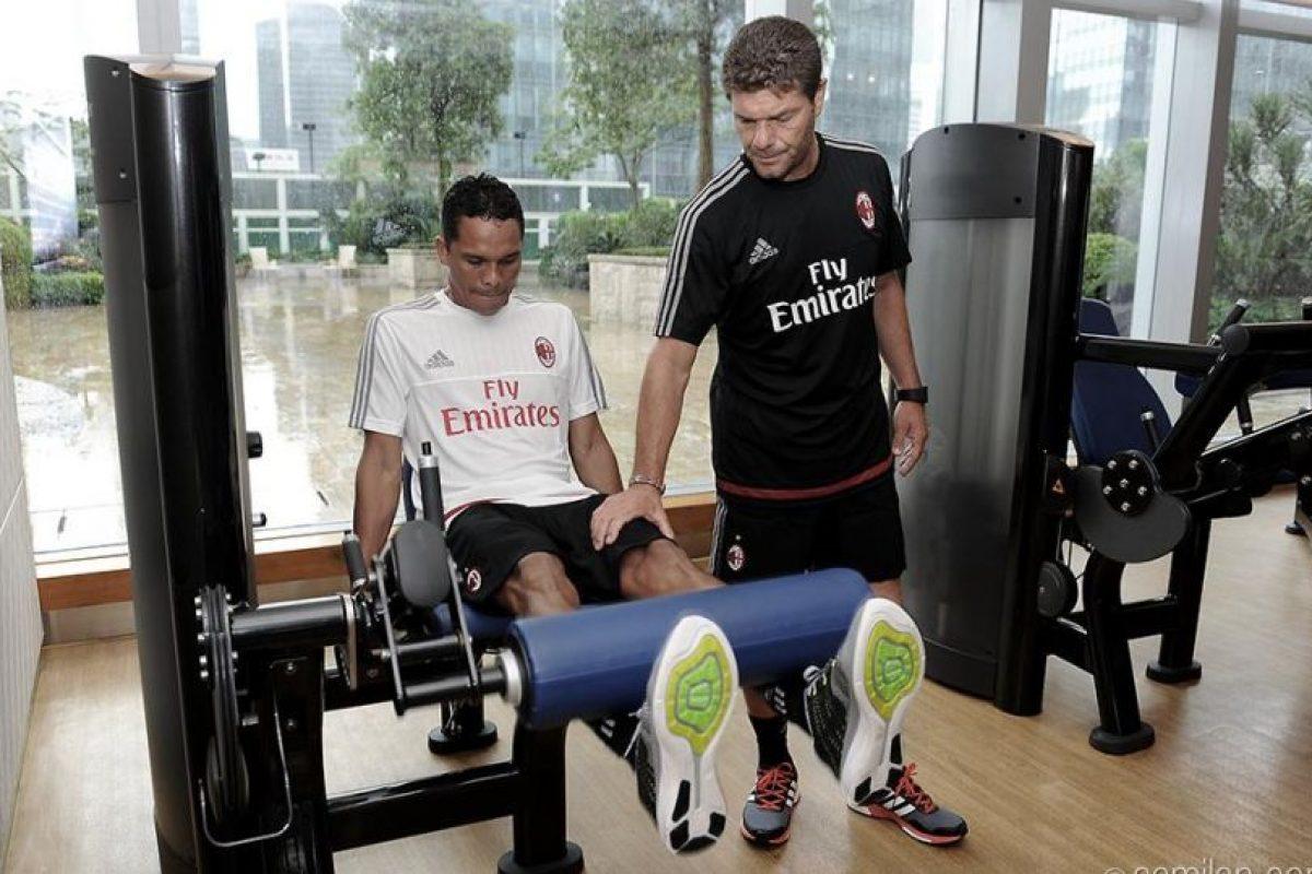 AC Milán le pagó al Sevilla 30 millones de euros por el delantero colombiano. Foto:acmilan.com. Imagen Por: