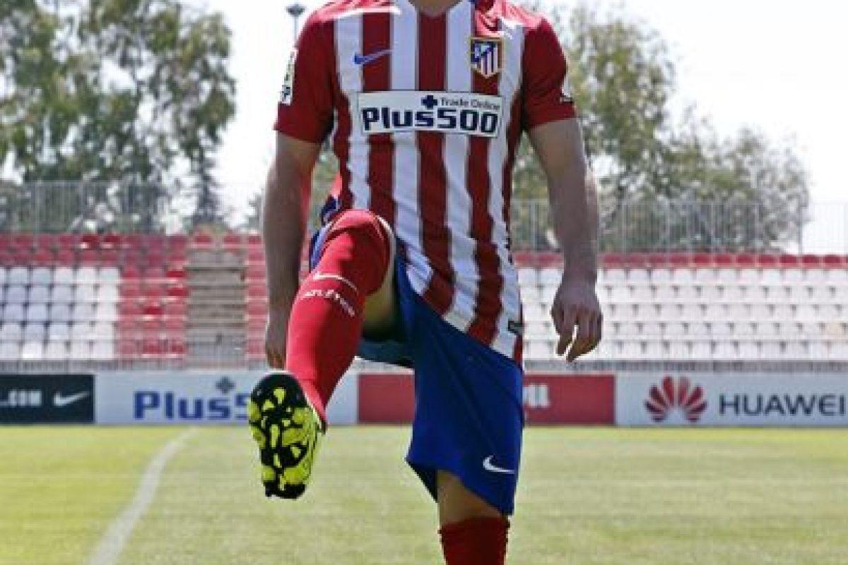 El delantero argentino llegó de Villarreal al Atlético de Madrid por 20 millones de euros. Foto:Vía twitter.com/Atleti. Imagen Por: