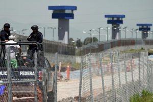 """Según reseñó el periódico mexicano """"El Universal"""", la motocicleta utilizada por Guzmán Loera tardó 12 minutos en realizar el recorrido de más de kilómetro y medio que llevó al narcotraficante fuera de prisión. Foto:AFP. Imagen Por:"""
