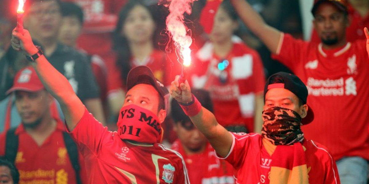 Hincha de Manchester United se burló de los aficionados del Liverpool con exótico baile