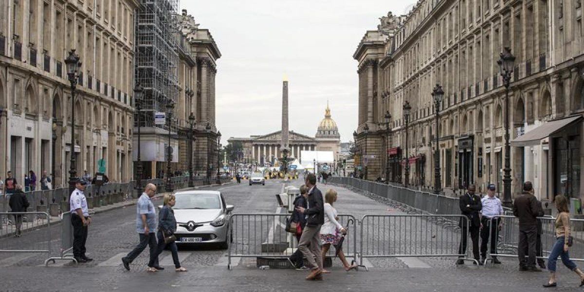 La policía disparó contra un auto cerca de la meta del Tour en París