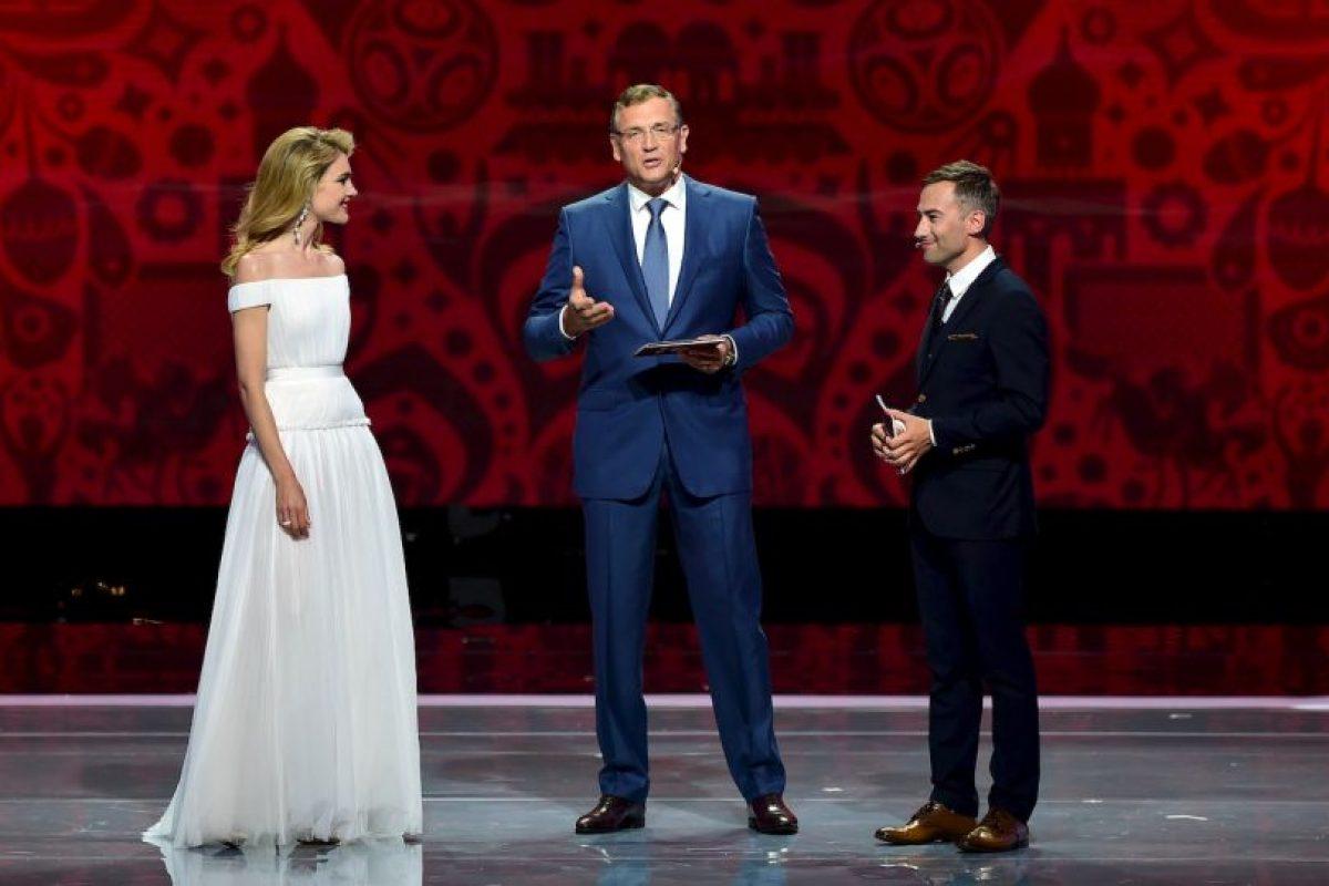 La modelo fue la maestra de ceremonias el evento, al lado del presentador de televisión Dimitry Shepelev. Foto:Getty Images. Imagen Por: