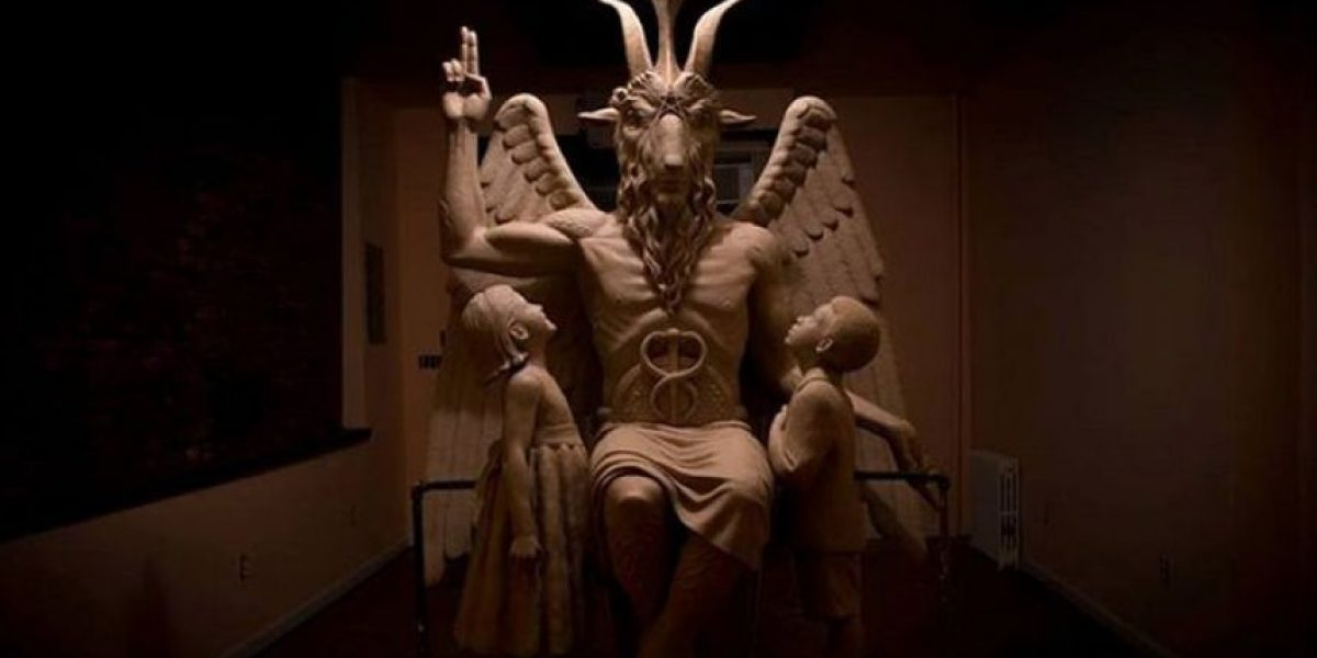 Polémica: templo satánico inaugura gigantesca y demoníaca estatua