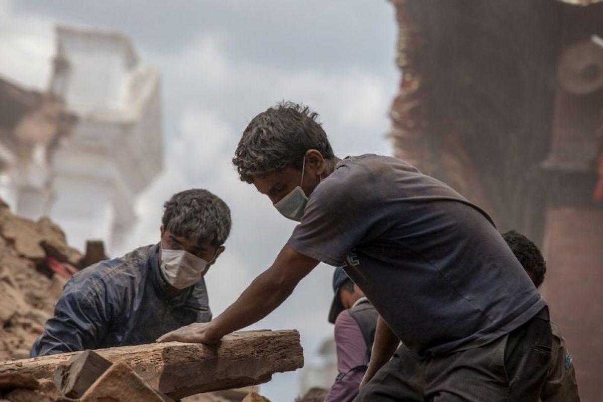 Luego, el 12 de mayo hubo una potente réplica de magnitud 7.3. Foto:Getty Images. Imagen Por: