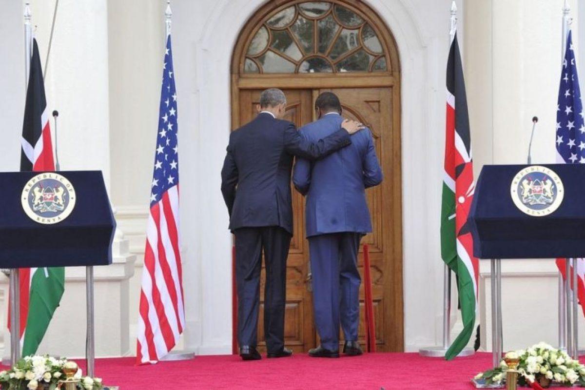 Obama y su homologo keniano, Uhuru Kenyatta, después de una rueda de prensa en la Casa de Gobierno en Nairobi. Foto:AFP. Imagen Por: