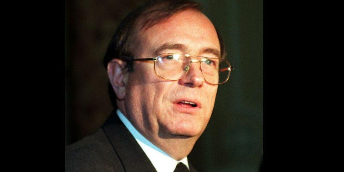 Político británico es grabado inhalando cocaína con prostitutas