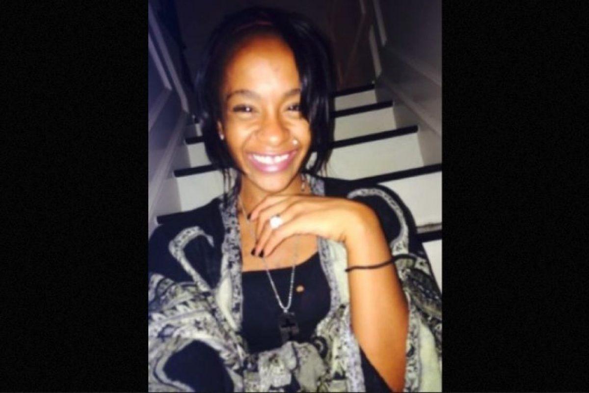 Fue encontrada inconsciente en la bañera de su casa. Foto:Twitter/REALbkBrown. Imagen Por: