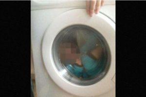 La mujer declaró que su hijo se ve sonriendo en la imagen y que ella misma fue quien le ayudó a subirse al electrodoméstico. Foto:Vía Facebook/CourtneyStewart. Imagen Por: