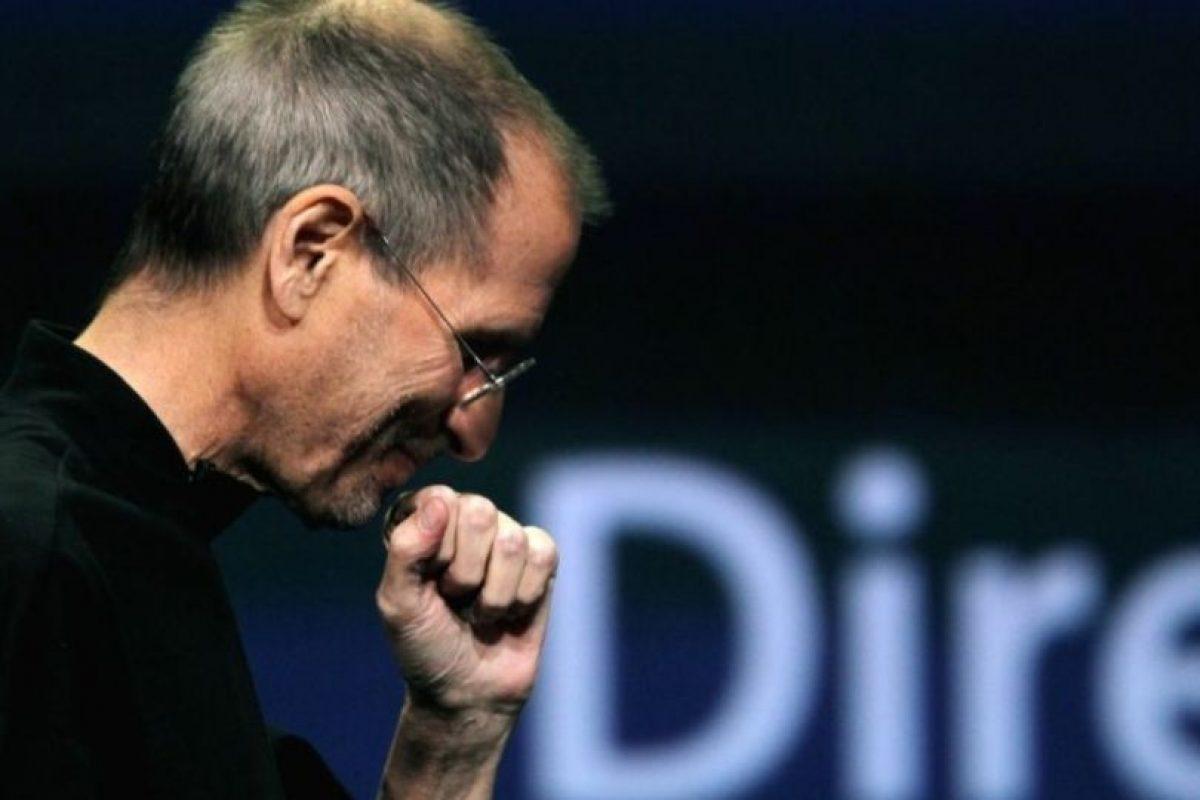 """""""Esto es lo que sucede cuando tu MacBook Pro sufre daño por el agua. Son máquinas profesionales y no les gusta el agua. Pareciera que solo estás buscando a alguien con quien enfadarte en lugar de hacerlo contigo mismo"""". Foto:Getty Images. Imagen Por:"""